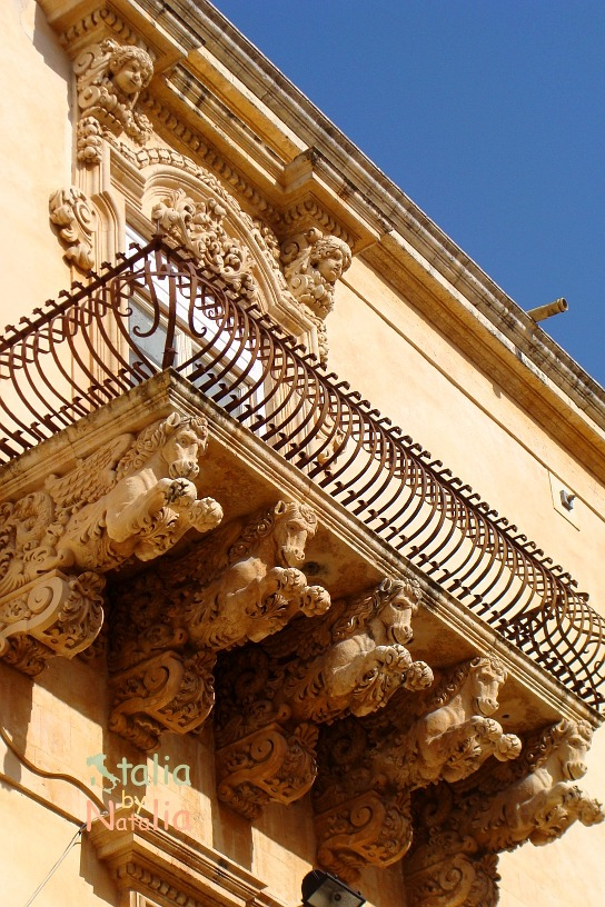 balkon Palazzo Nicolaci w Noto
