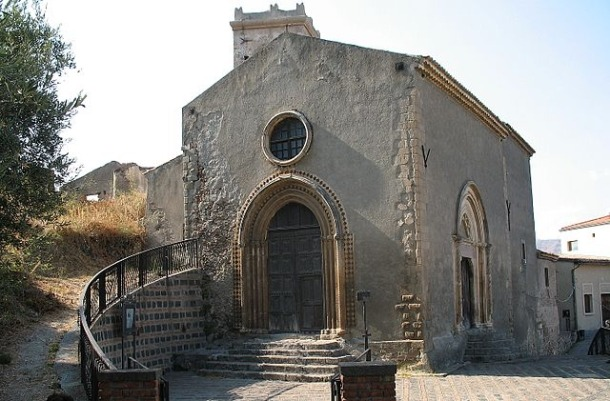 Savoca_Chiesa_San_Michele-Wikimedia