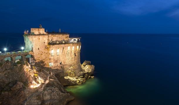 Matrimonio-Serena-Claudio-Duomo-Amalfi-Torre-Normanna-Costiera-Amalfitana-Abito-Jenny-Packham-Burberry-Ristorante-Vista-Mare