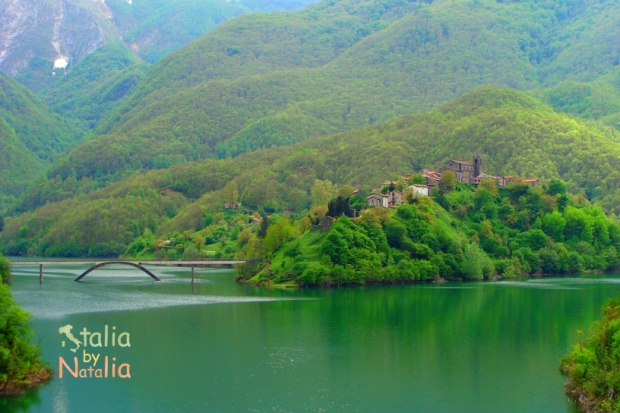 Jezioro-Vagli-garfagnana