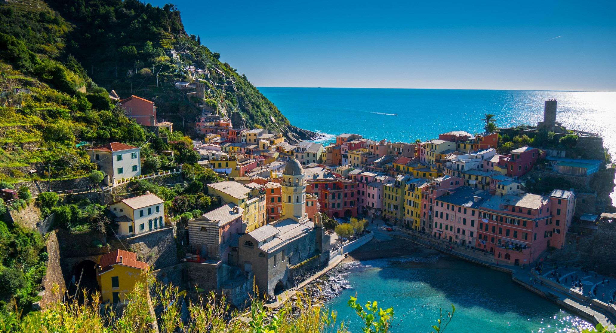 Vernazza-Cinque-Terre-Liguria-listopad-jesien