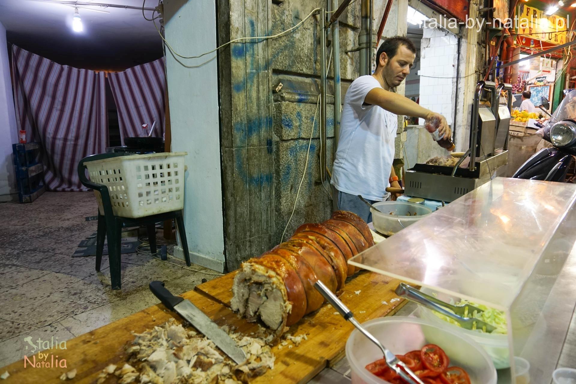 palermo streed food na targu vucciria porchetta