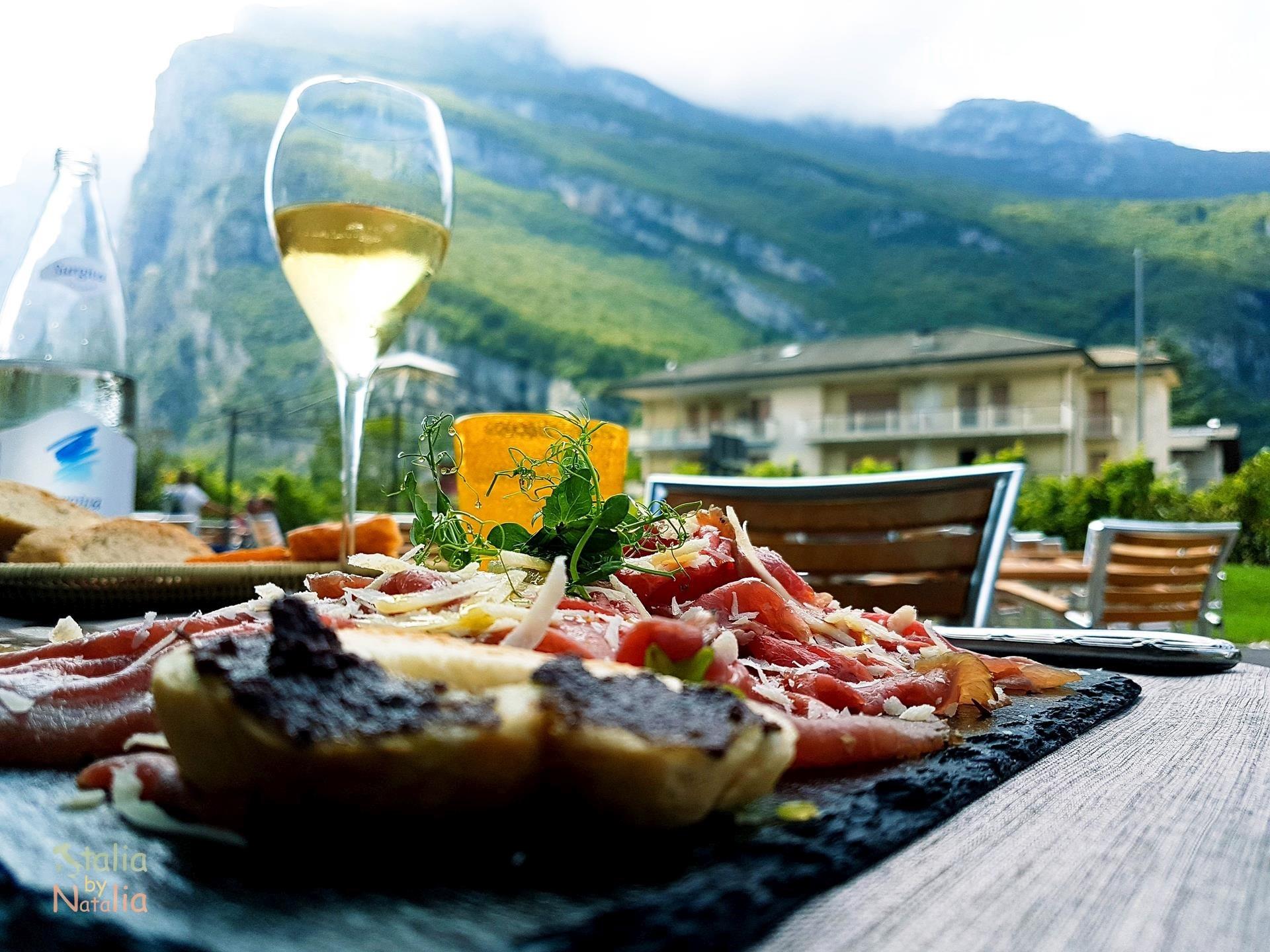 gdzie zjeść nad Jeziorem Garda