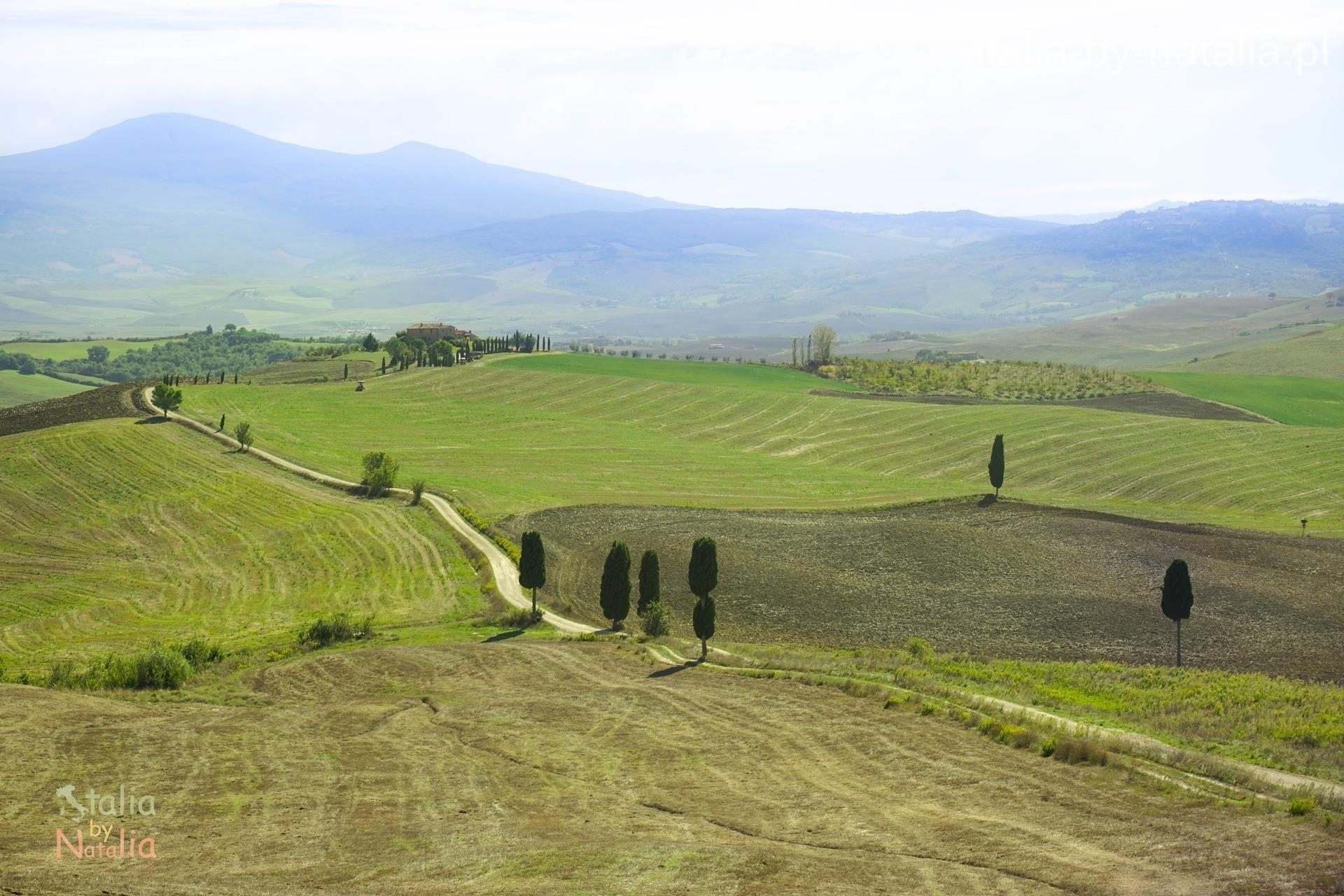 Terrapile Gladiator Val di Orcia widok punkt widokowy panorama jesień Toskania jesienią