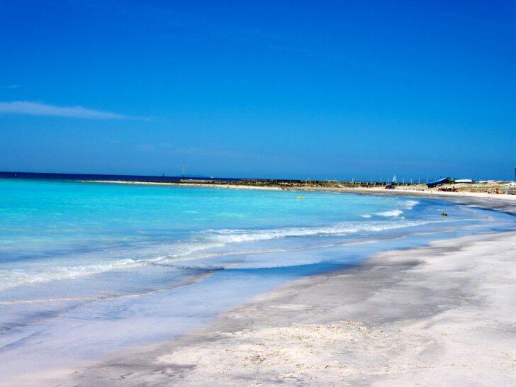 biała plaża w Toskanii Vada Rosignano Solvay