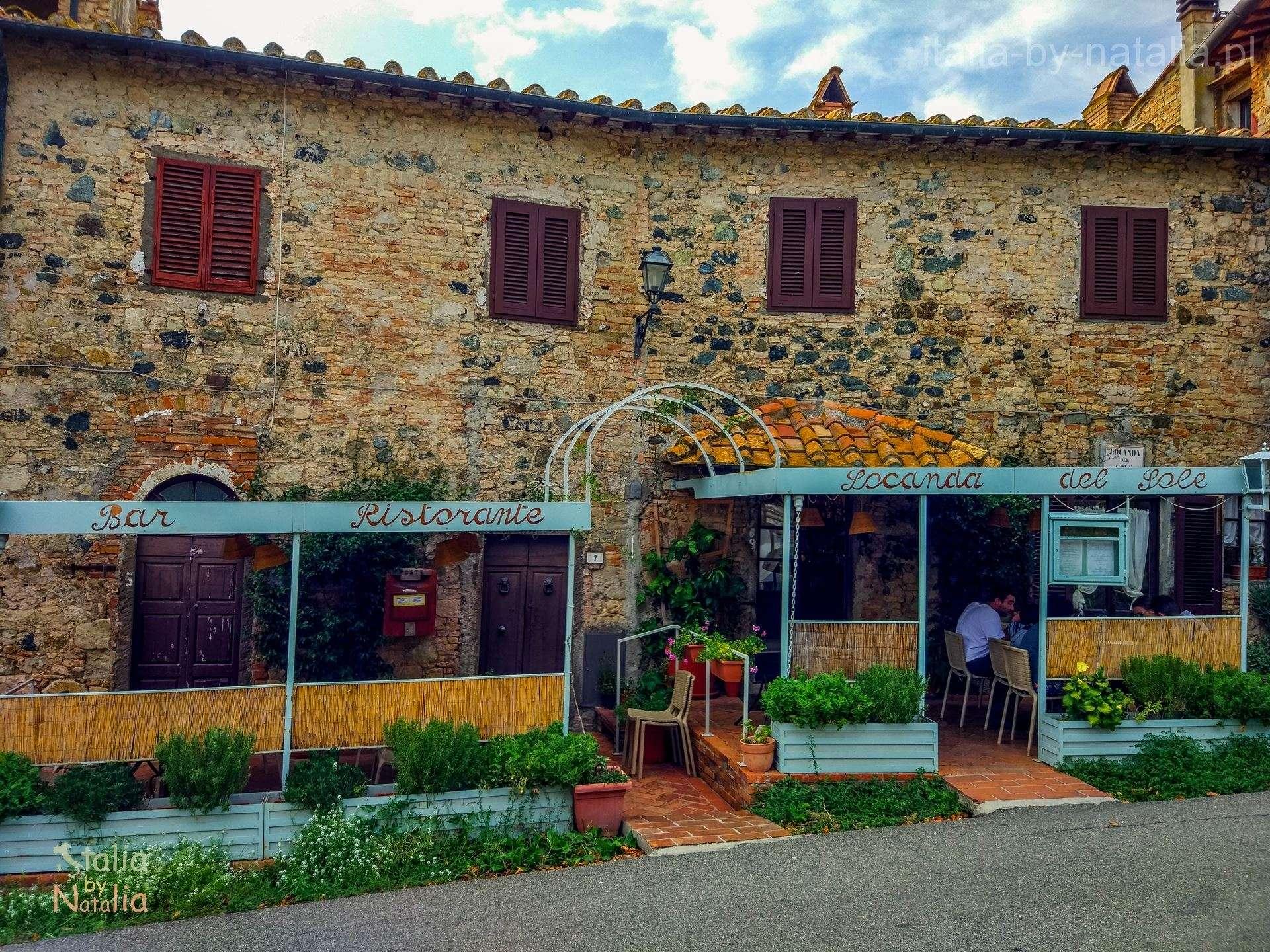 Querceto Toskania Val di Cecina małe miasteczko Prowincja Piza najlepsze lody we włoszech