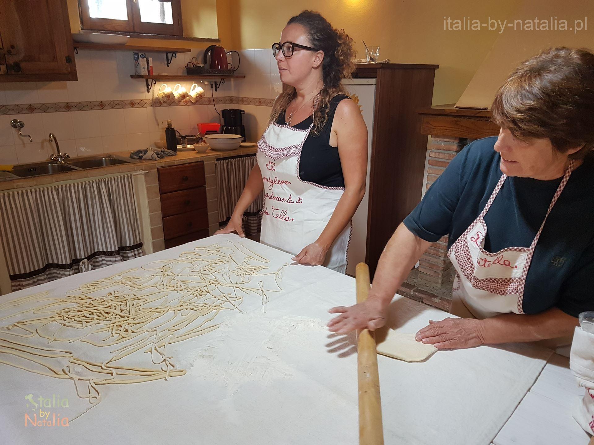 Warsztaty kulinarne pici szkola gotowania Toskania agroturystyka Podere di Santa Maria Chiusdino