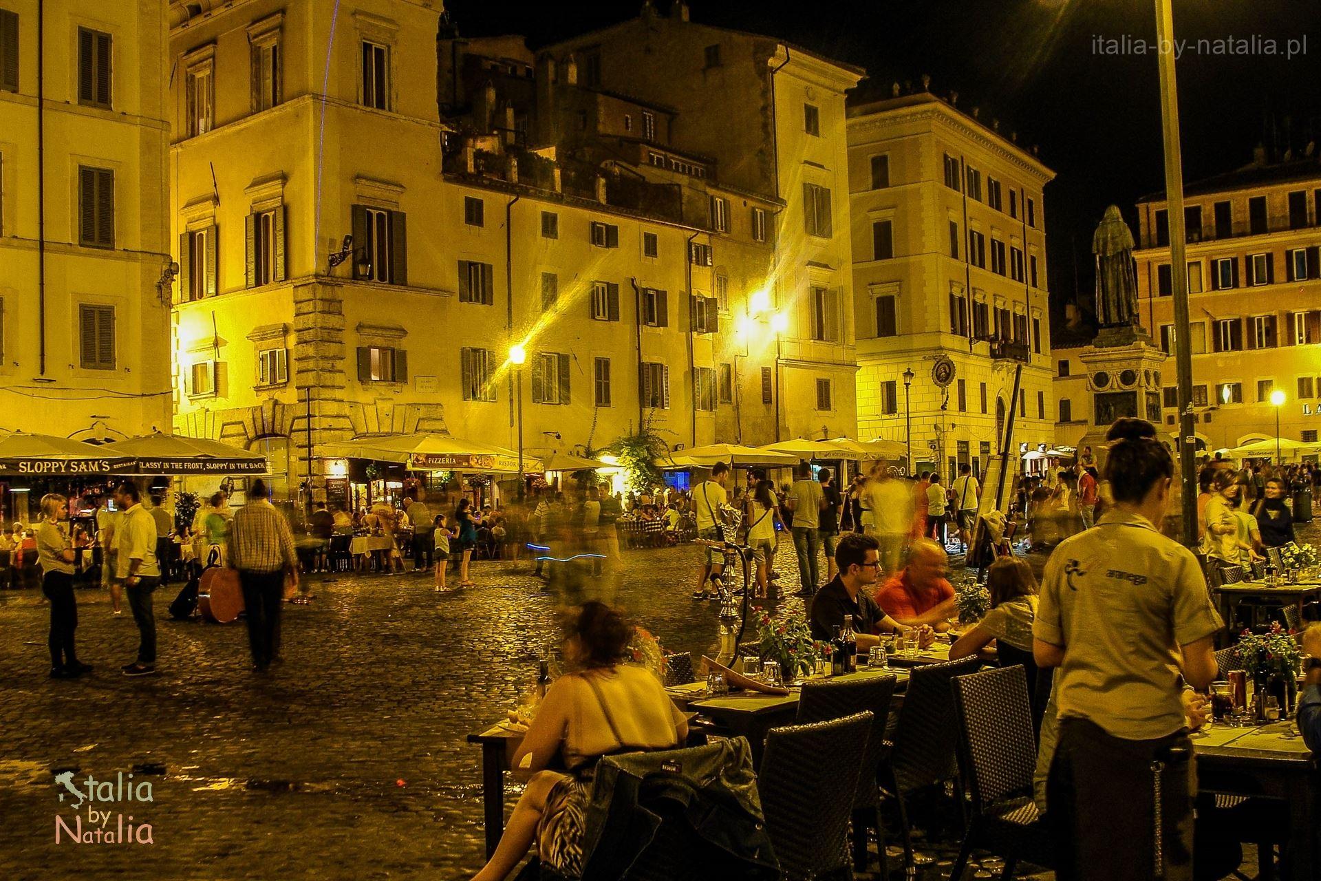 Campo de'fiori Rzym nocą