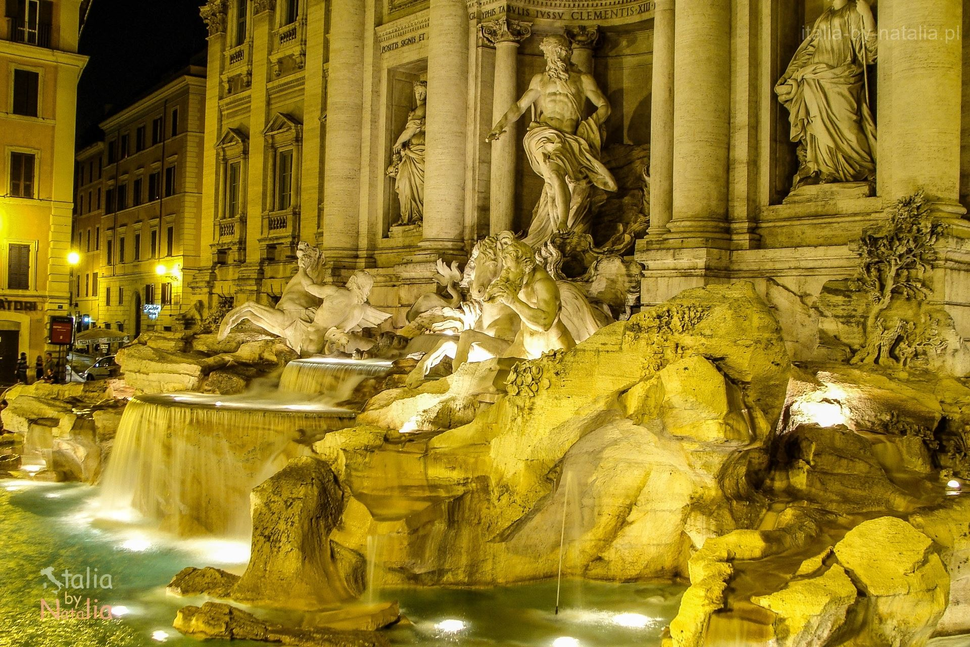Fontana di Trevi night notte nocą Rzym Roma Rome