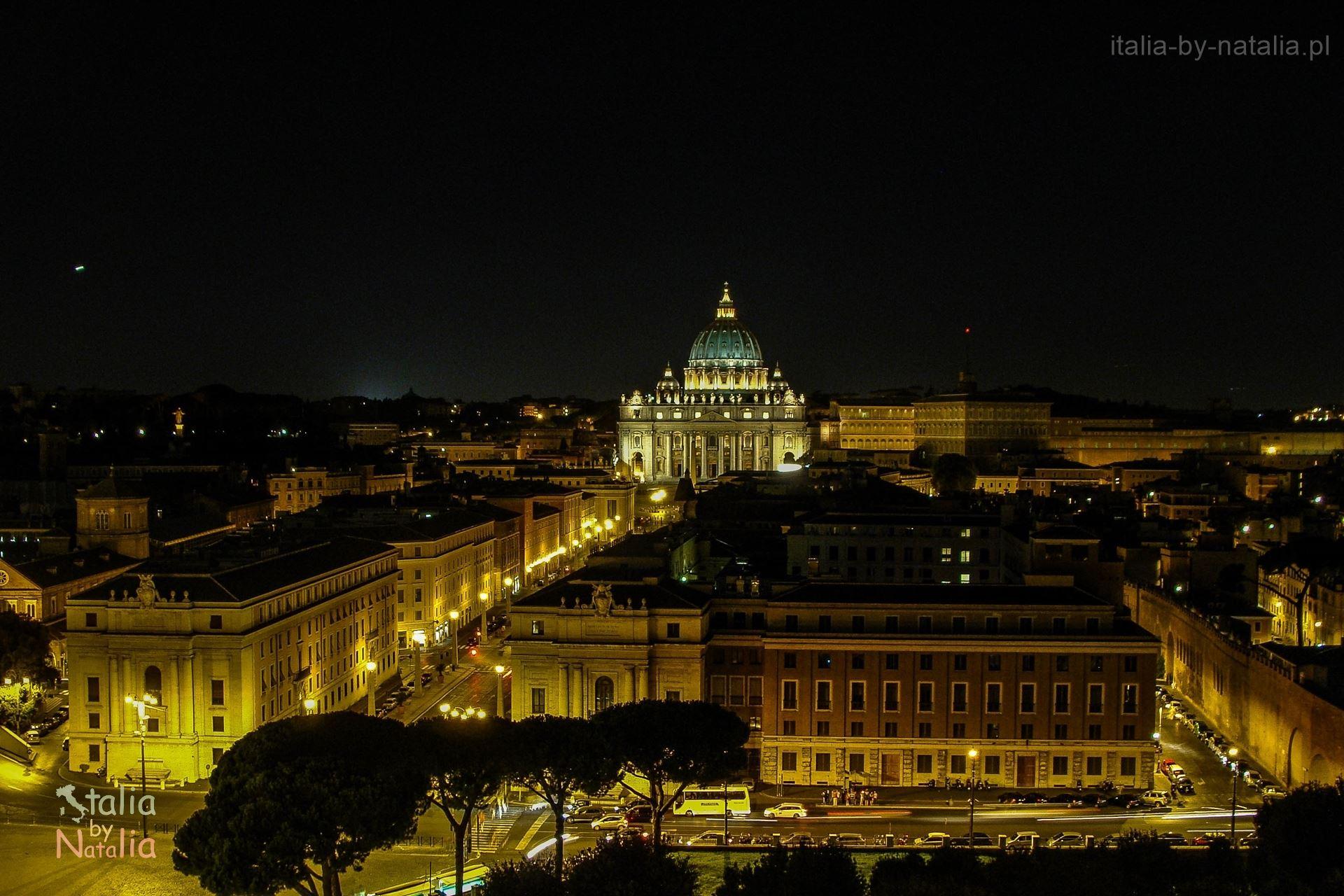Rzym punkt widokowy panorama Watykanu zamek św. Anioła dach