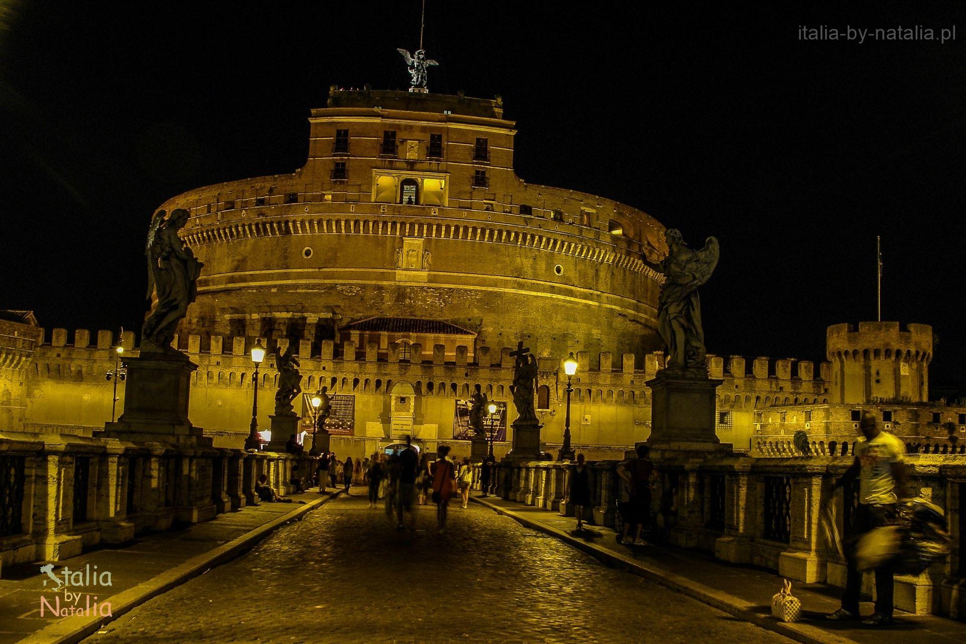 Rzym nocą zamek św. Anioła Most zwiedzanie