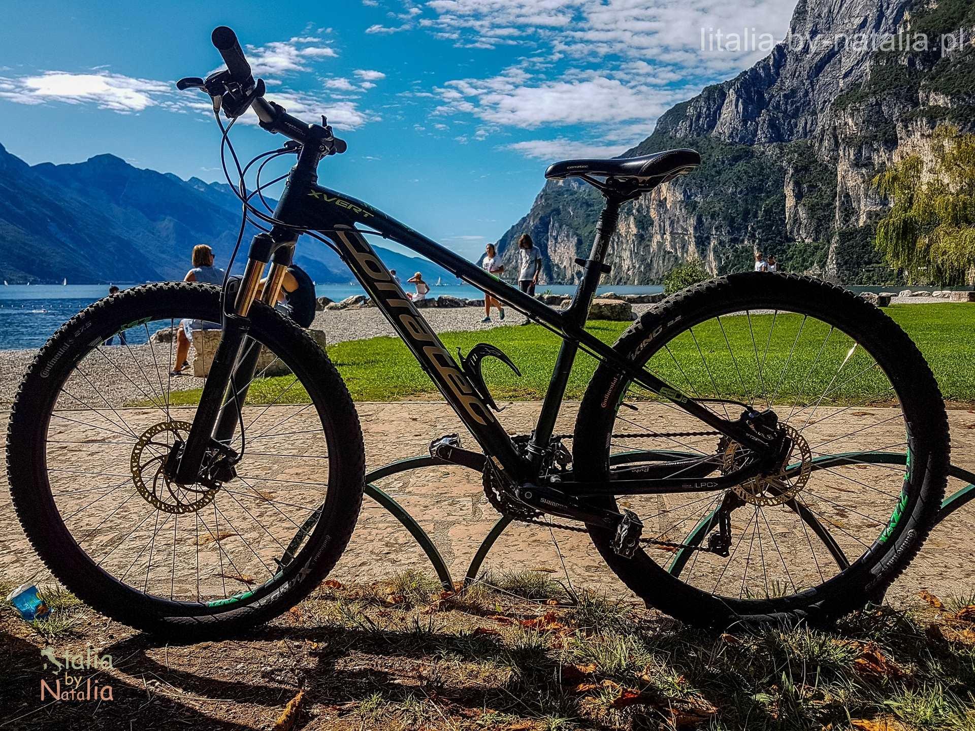 Jezioro Garda rowerem szlaki mapa ceny wynajmu gdzie wypożyczyć rower