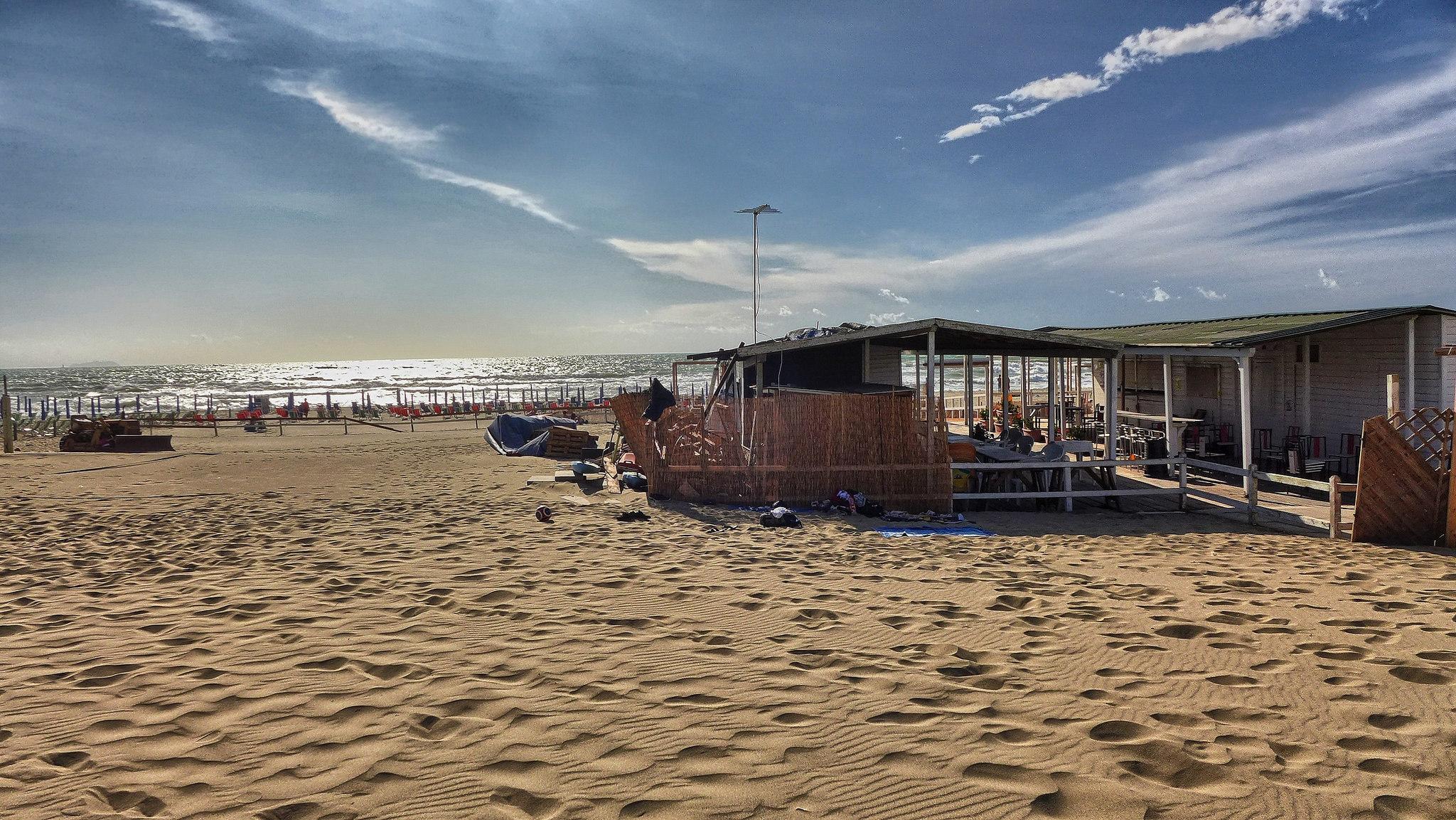 wybrzeze plaze toskanii tirrenia