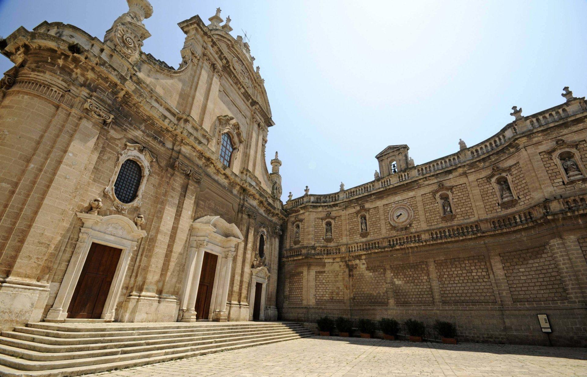 Monopoli Apulia co zobaczyć katedra stare miasto