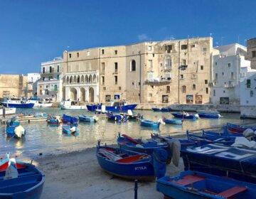 Monopoli Apulia co zobaczyć katedra stare miasto port atrakcje zwiedzanie przewodnik