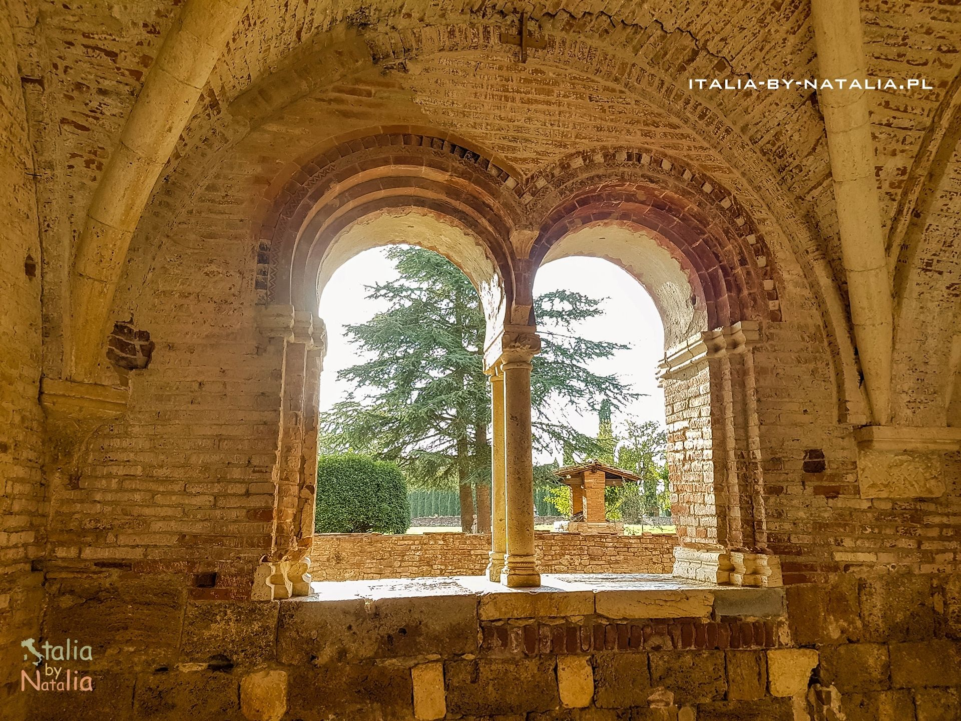 Opactwo San Galgano Toskania kościół bez dachu