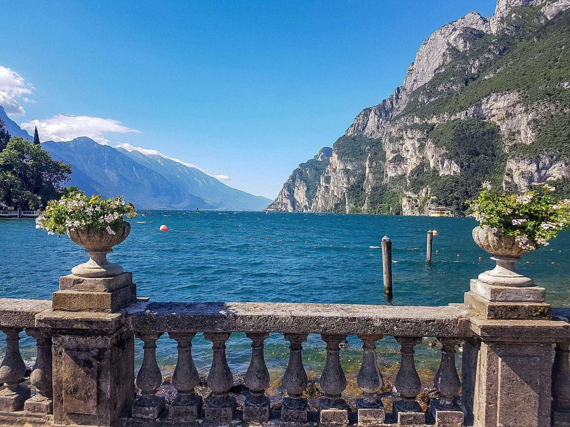 Riva del Garda Jezioro Trentino atrakcje co zobaczyć zwiedzanie