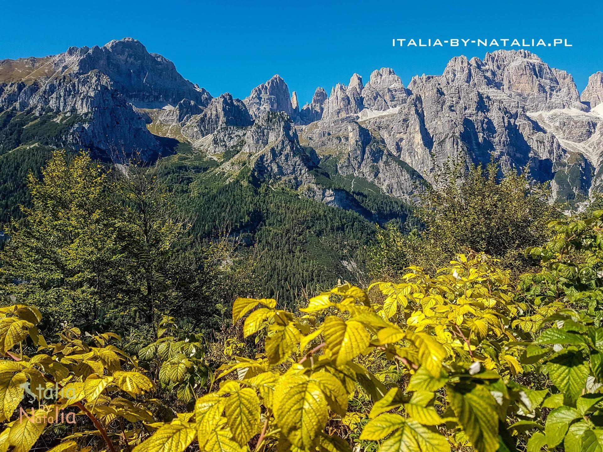 Jezioro Molveno lake lago Trentino Dolomity Dolomiti Brenta La Montanara