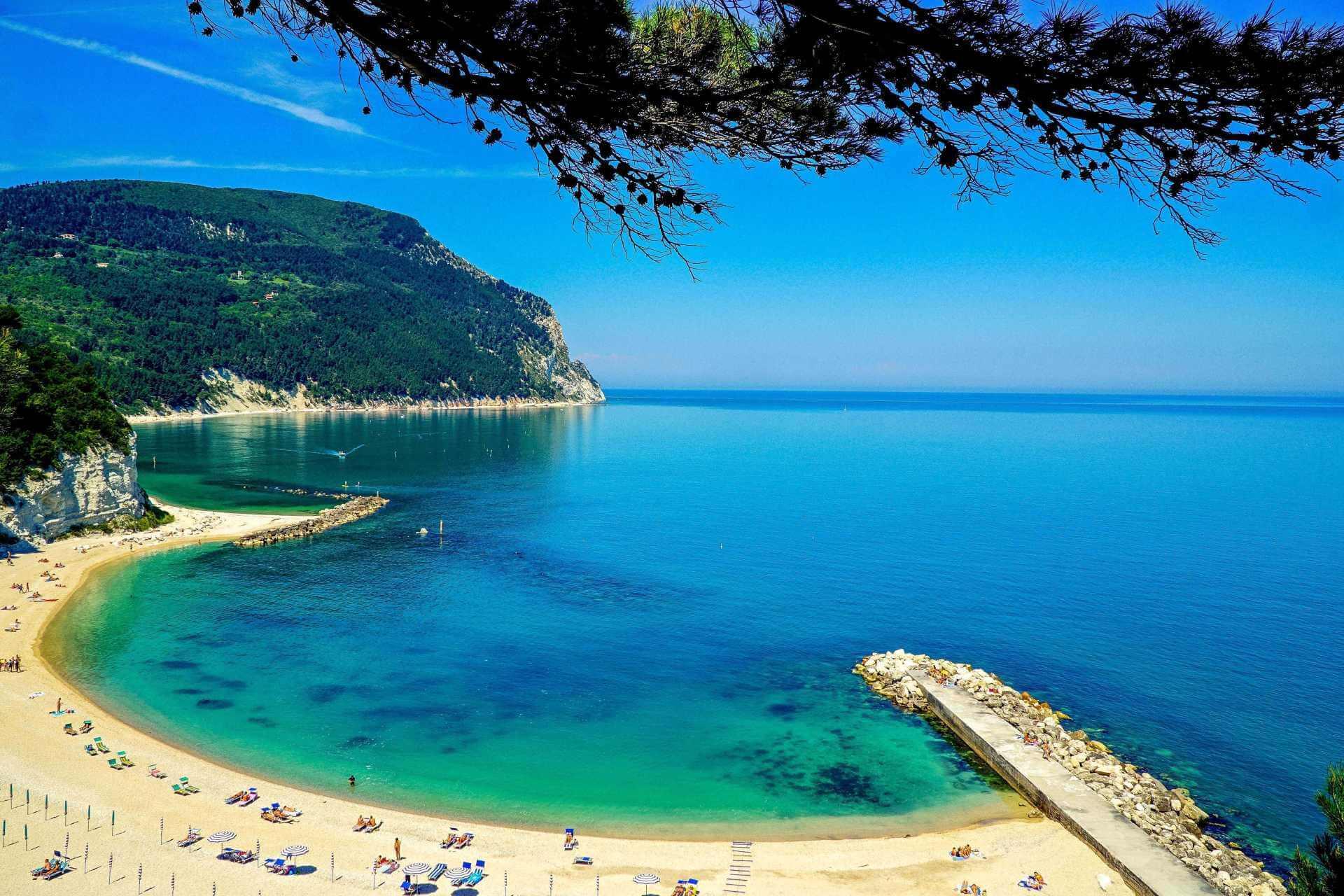 Ankona Ancona Riwiera Conero Sirolo plaże wybrzeze adriatyckie Włochy