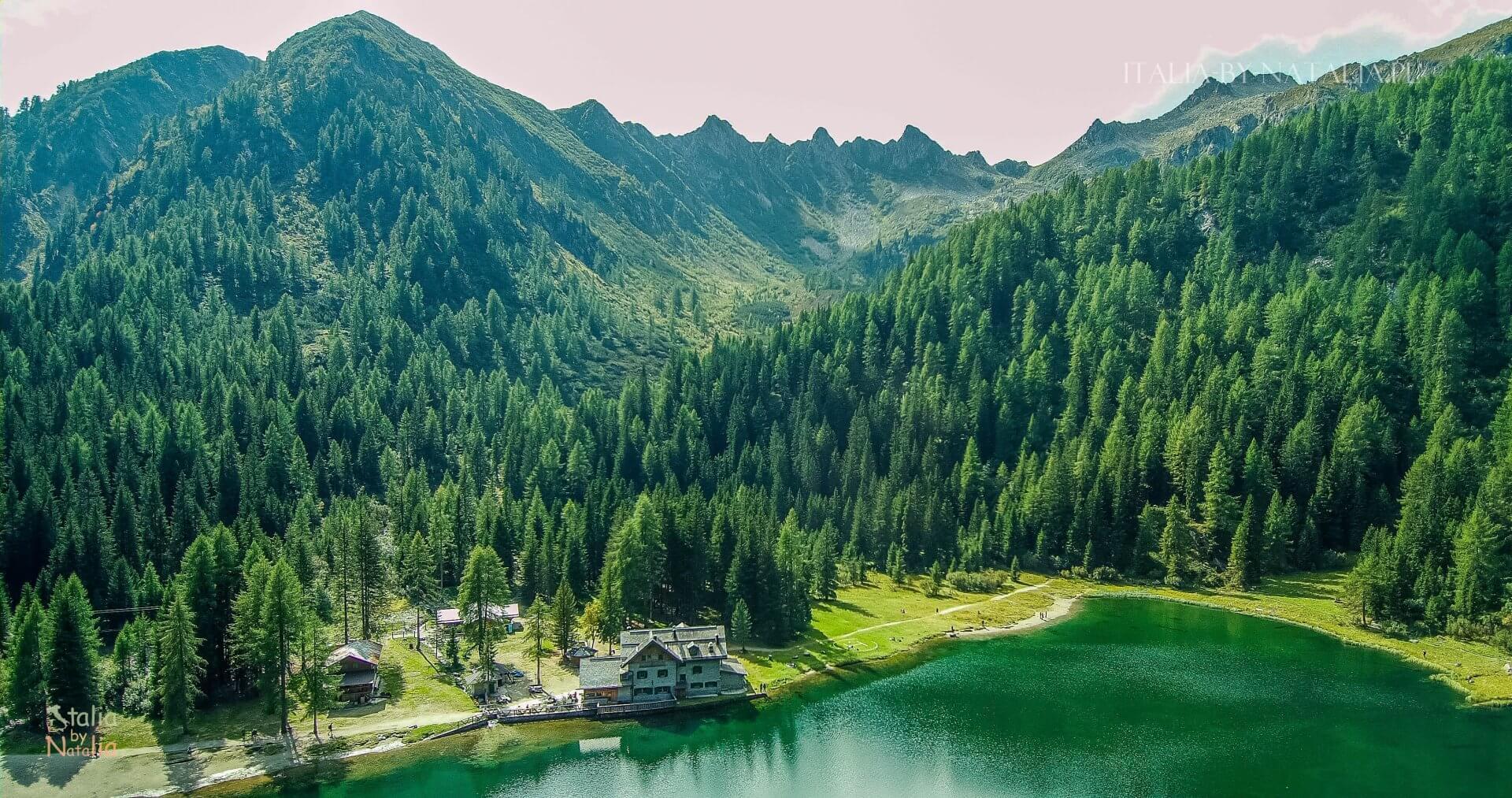 Jezioro Nambino łatwy szlak Park Adamello Brenta Madonna di Campiglio włoskie Alpy Retyckie