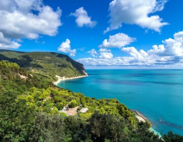 Sirolo Riviera del Conero wybrzeże adriatyckie środkowe Włochy Marche