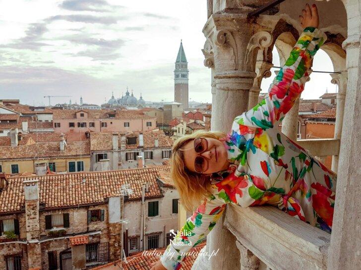 Scala Contarini del Bovolo najpiękniejsze schody Wenecji punkt widokowy pomiędzy placem św. Marka a mostem Rialto