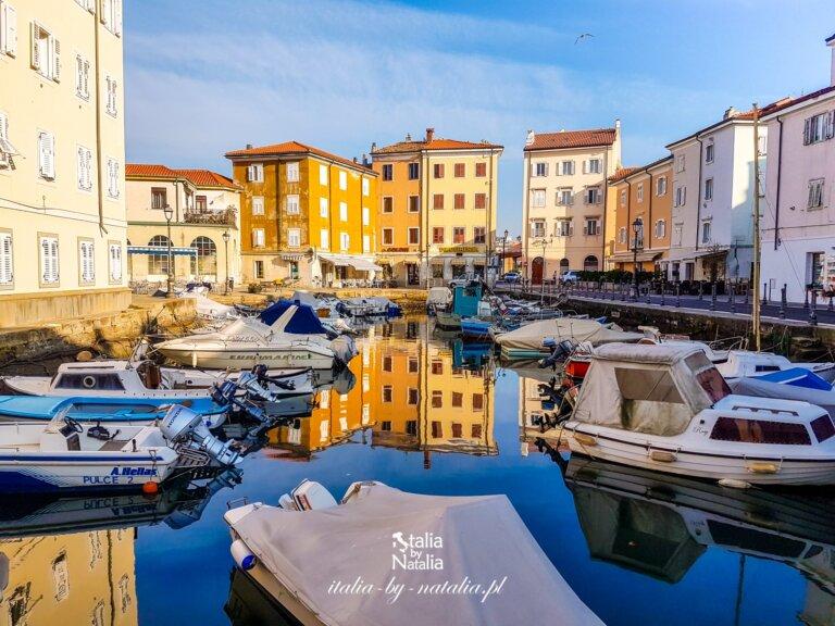 Muggia włoskie miasteczko na półwyspie Istria Friuli Wenecja Julijska