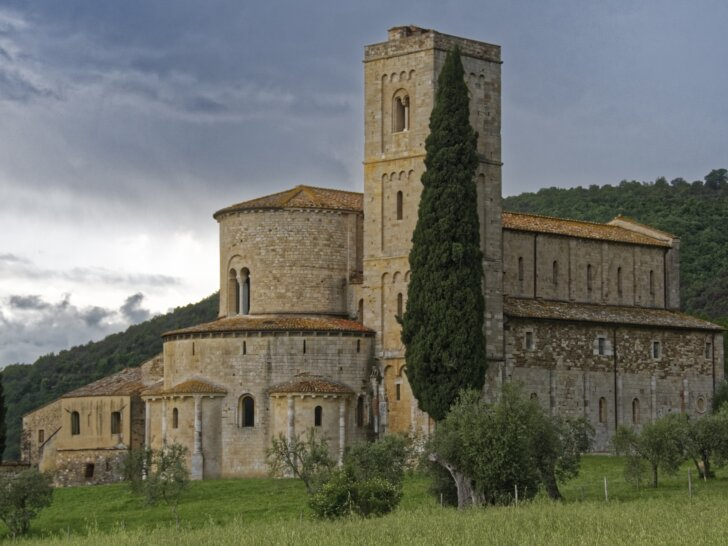 Opactwo Sant'Antimo w Castelnuovo dell'Abate - średniowieczny klasztor benedyktynów koło Montalcino, Toskania