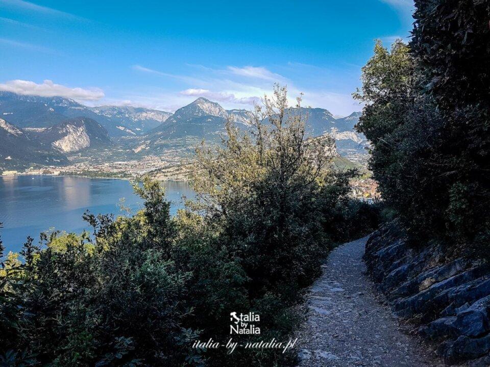 Busatte - Tempesta - trekking panoramicznym szlakiem nad jeziorem Garda. Trentino