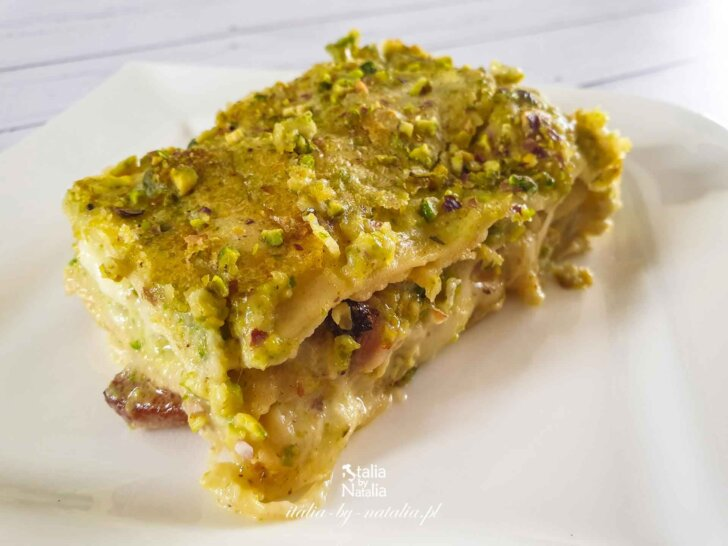 Lasagne (lazania) pistacjowa z beszamelem i świeżym makaronem. Przepis