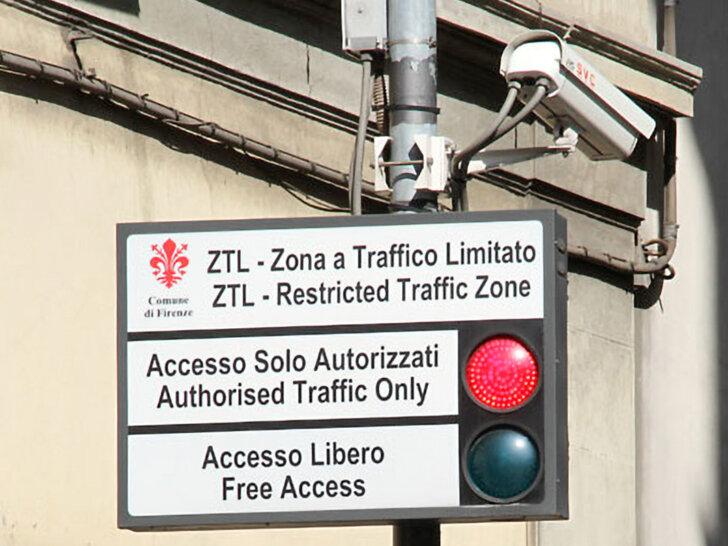 Strefa ZTL we Florencji (strefa ograniczonego ruchu samochodowego). Wszystko, co trzeba wiedzieć