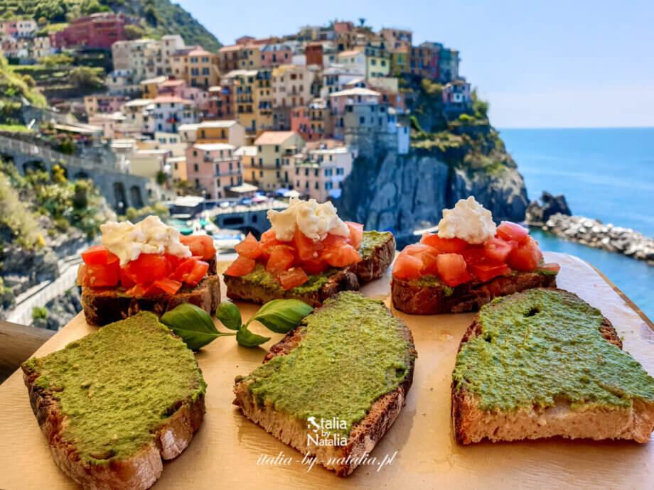 Manarola w Cinque Terre - dojazd, szlaki i jedzenie z widokiem w słynnej knajpie Nessun Dorma