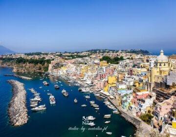 Procida - kolorowa wyspa u wybrzeży Neapolu. Przewodnik