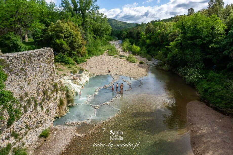 Bagni di Petriolo - darmowe gorące źródło 30 km od Sieny. Toskania