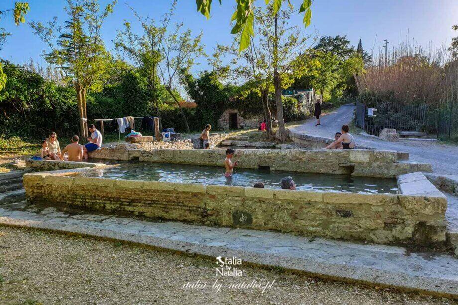 San Casciano dei Bagni - gorące źródła i urokliwe miasteczko na krańcach Val d'Orcia